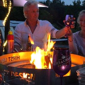 Hirst Grilltisch mit Feuerring